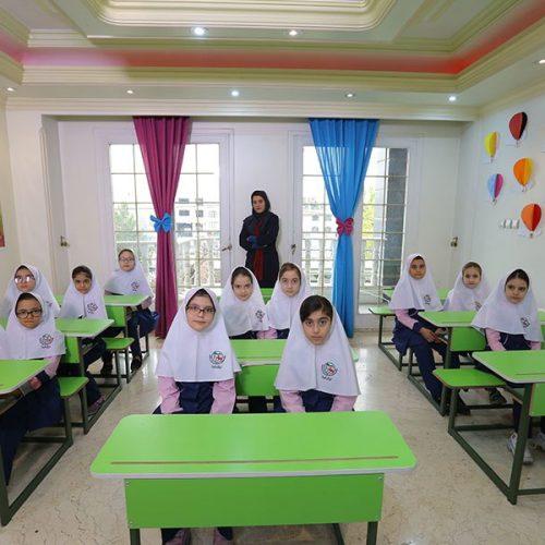 مدرسه غیردولتی دخترانه ایران فردا